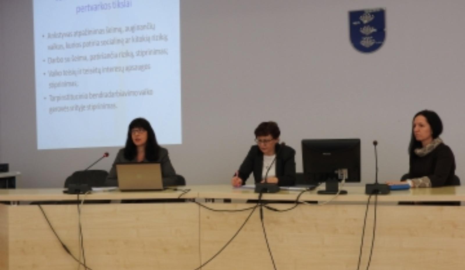 Tarpinstitucinis pasitarimas Ignalinoje: paslaugos turi būti teikiamos arčiau šeimos gyvenamosios vietos