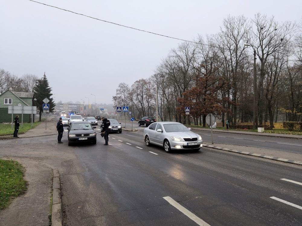 Kuršėnai po eismo įvykių: susitikimai su gyventojais, pareigūnų budėjimas ir saugumo įrenginių laukimas