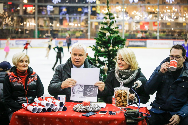 Kalėdoms Teatro aikštėje žada čiuožyklą