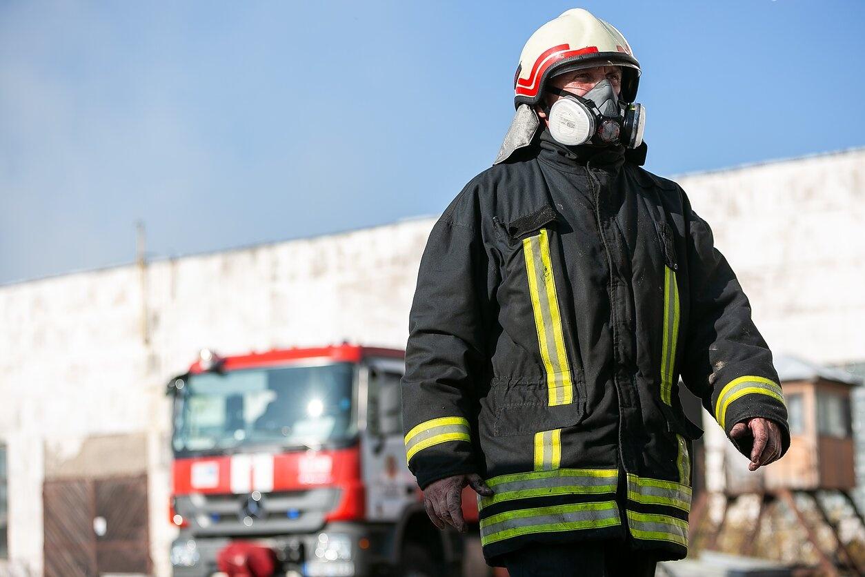 Panevėžyje degė daugiabutis gyvenamasis namas: evakuoti žmonės