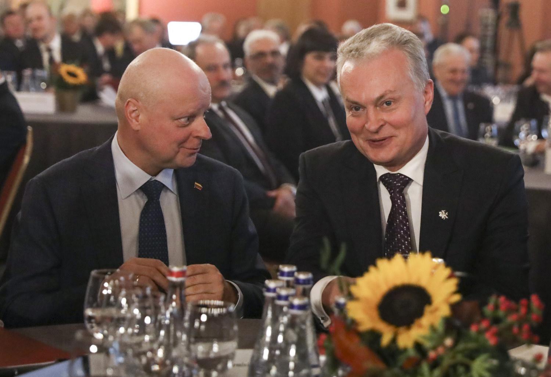 Politinių lyderių reitingai: nusivylimas valstybės vadovais augo, rekordinis R. Karbauskio įvertinimas