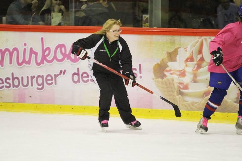 Ledo ritulys – ne tik vyrų sportas, jis populiarėja ir tarp moterų