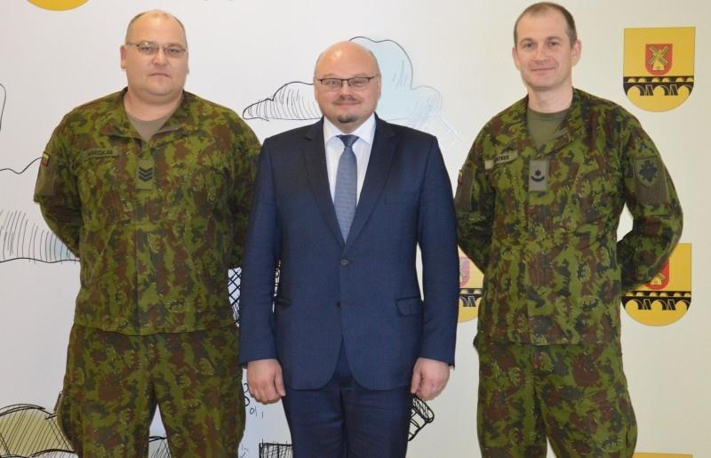 Susitikimas su Krašto apsaugos savanorių pajėgų atstovais