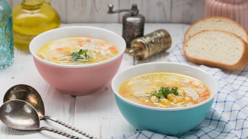 Gardi vištienos sriuba su kukurūzais