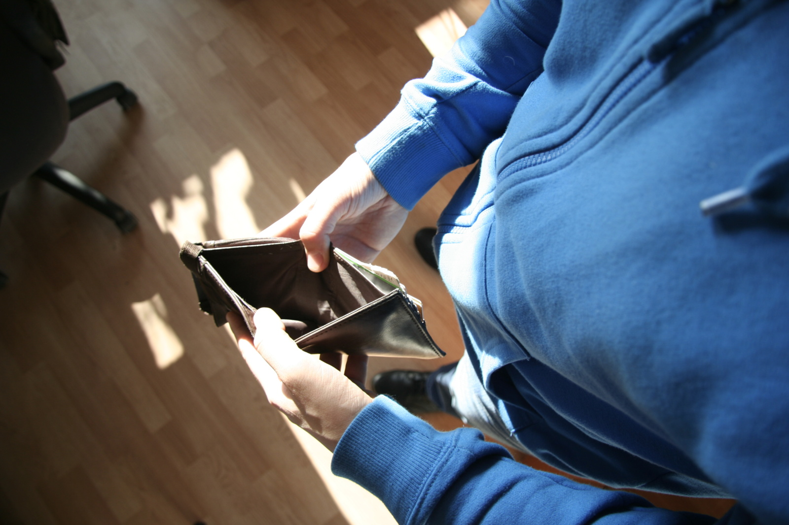 Kriminalai pajūryje: po moters vizito senolis pasigedo 7500 eurų