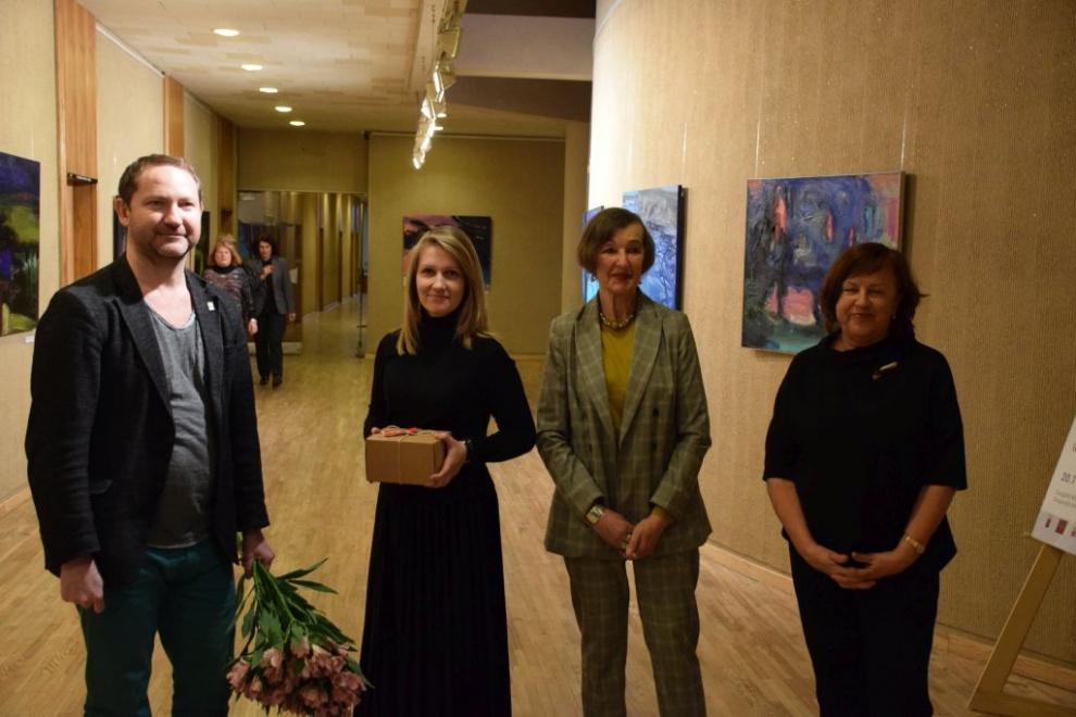 Savivaldybėje atidaryta Daugpilio Marko Rothko meno centro menininkių paroda
