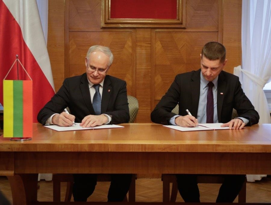 Varšuvoje pasirašyta Lietuvos ir Lenkijos deklaracija dėl glaudesnio bendradarbiavimo švietimo srityje