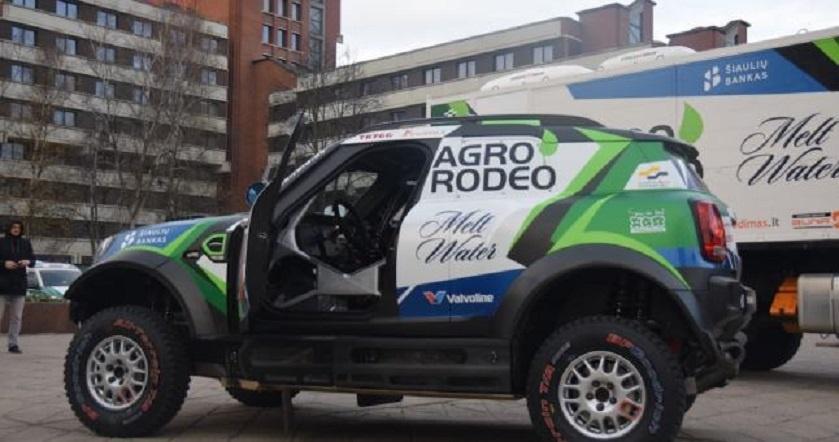 """Į """"Dakaro ralį"""" išsiruošė su automobiliu, kurio kaina tiesiog pribloškia"""