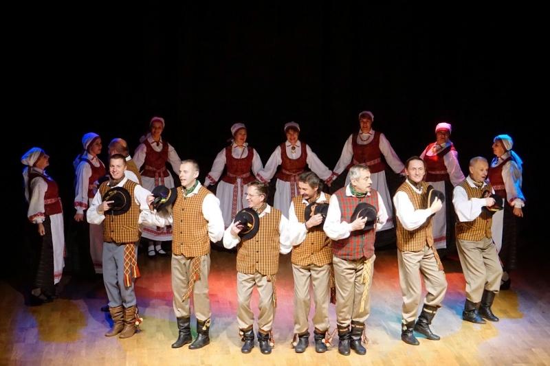 Tautinių dainų ir šokių festivalis Dusetose
