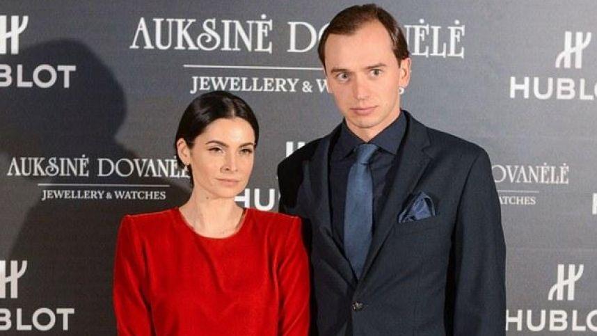 Teismas nutraukė A. Jagelavičiūtės ir M. Volkaus santuoką: paaiškėjo, kam atitenka vaiko globa