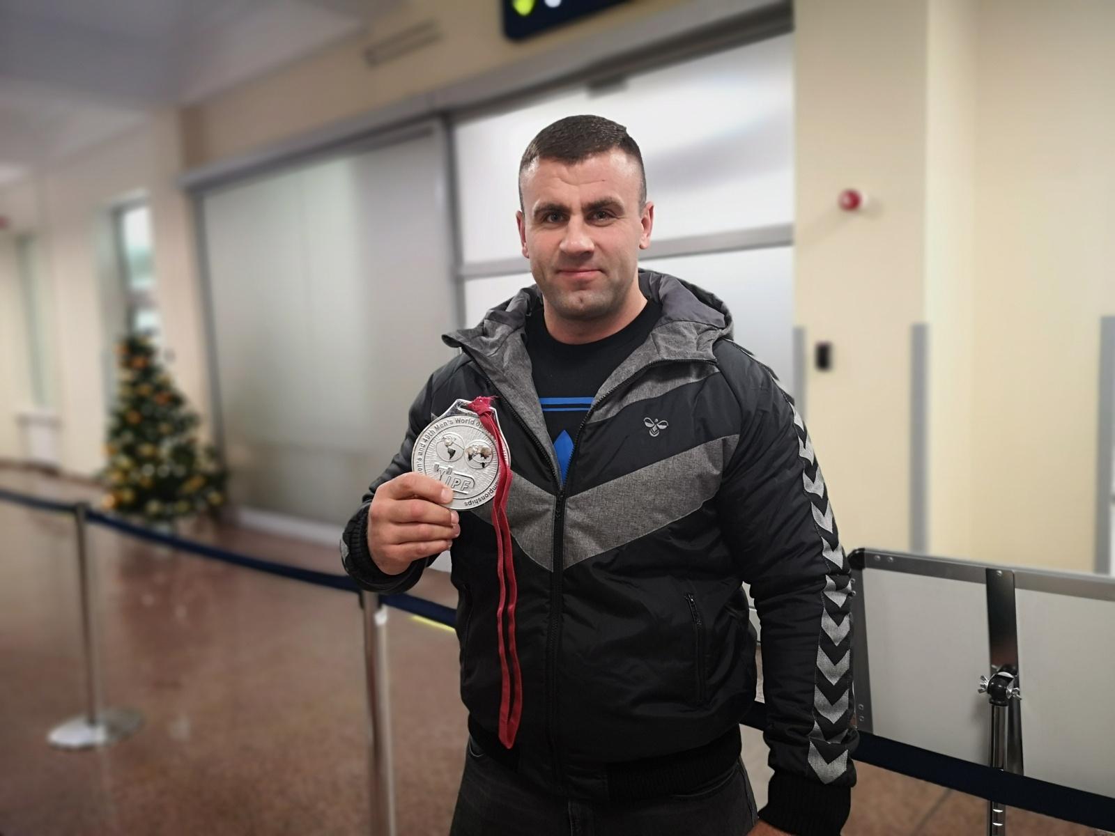 Pasaulio vicečempionas A. Paulauskas: tikiuosi pagerinti pasaulio rekordą