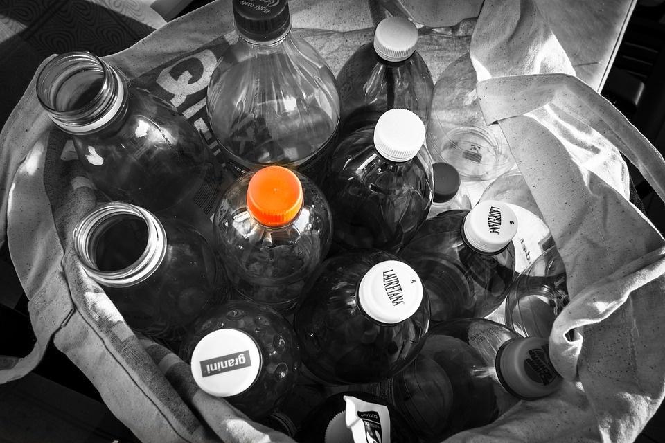 """Utenos rajone iš """"Aibės"""" parduotuvės pavogtas 21 maišas taros"""