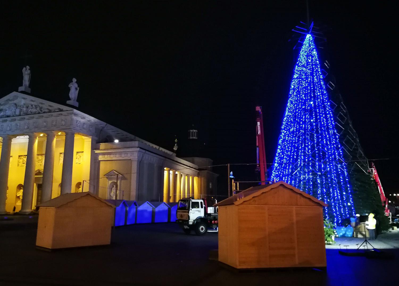 Lietuvos didmiesčiuose įžiebiamos Kalėdų eglutės
