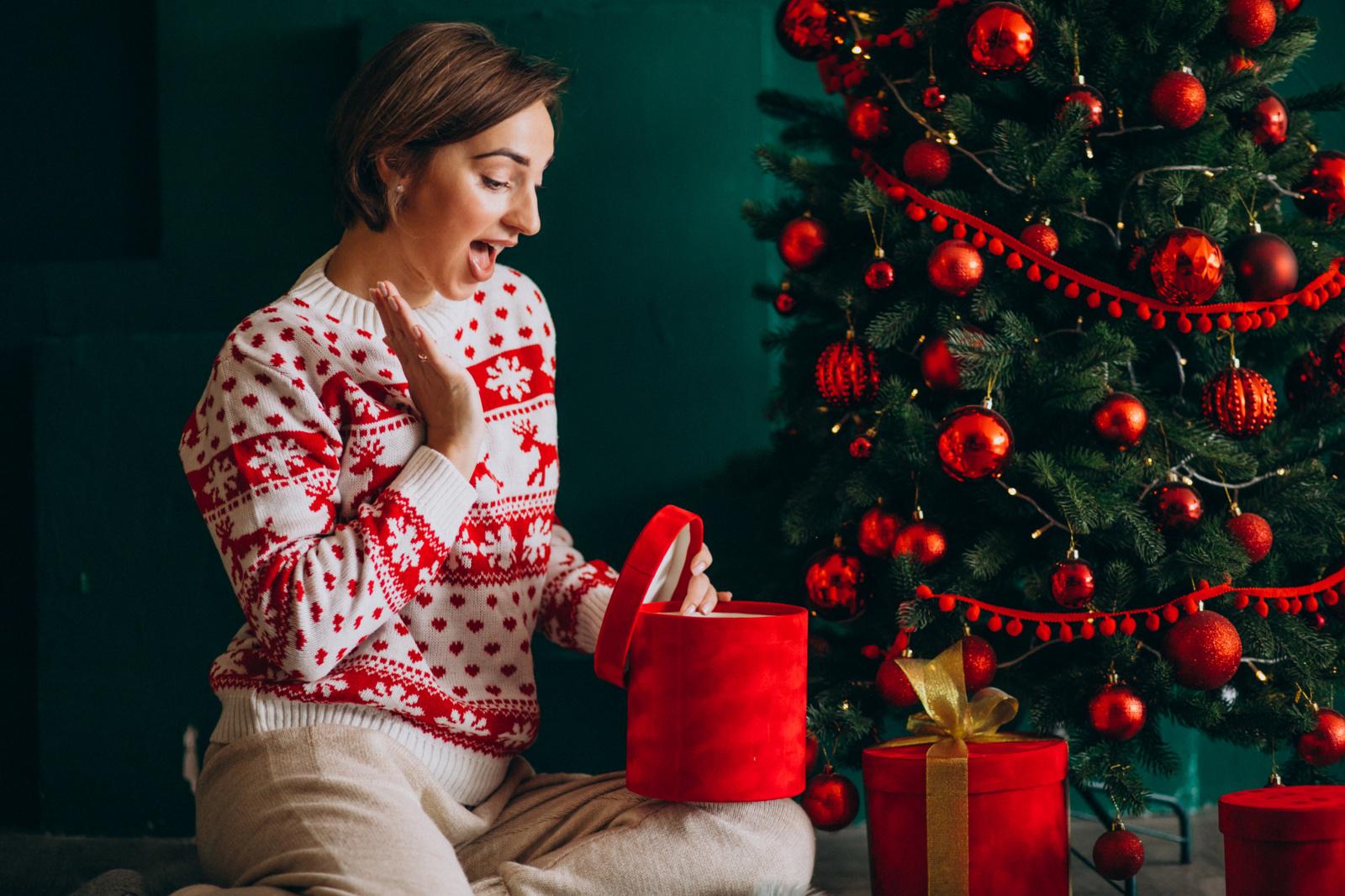 Transporto sektoriuje – šventinės siuntų spūstys: kalėdiniai pirkiniai gali vėluoti