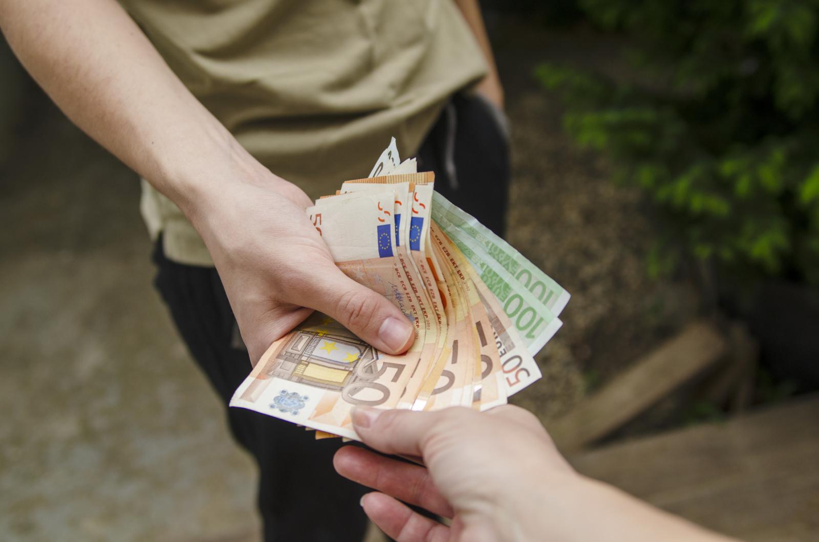 Lietuvių skolinimosi tendencijos skiriasi, priklausomai nuo sezono