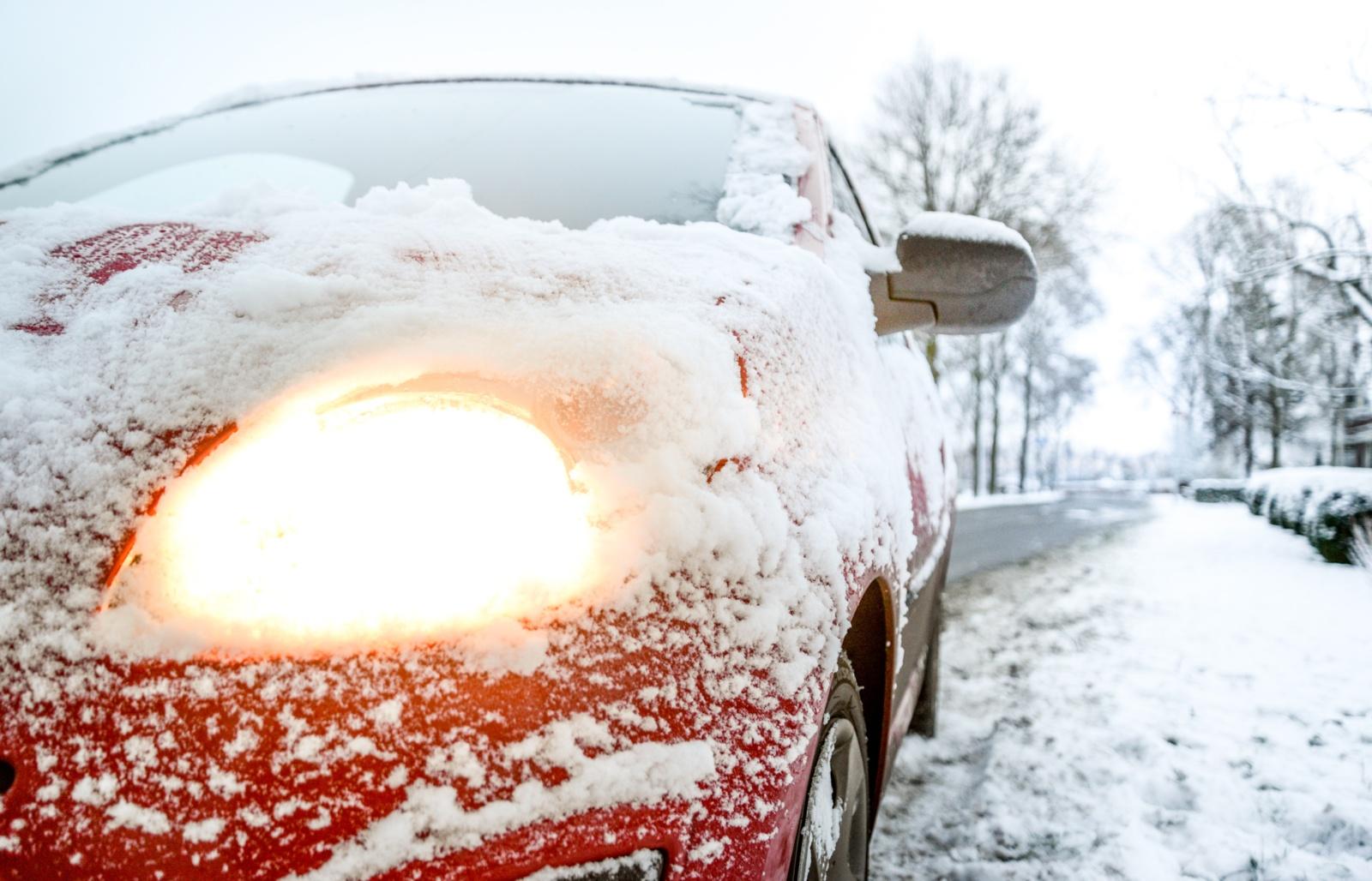 Šaltojo sezono automobilių problemos: kaip jas įveikti?