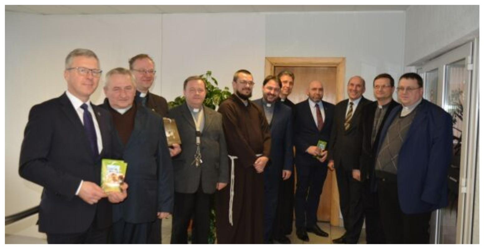 Šv. Kalėdų proga - padėkos pietūs su kunigais ir vienuoliais