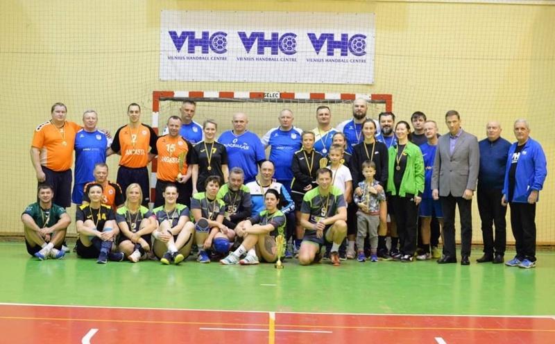 Zarasų rankinio veteranai pelnė rankinio turnyro nugalėtojų titulą