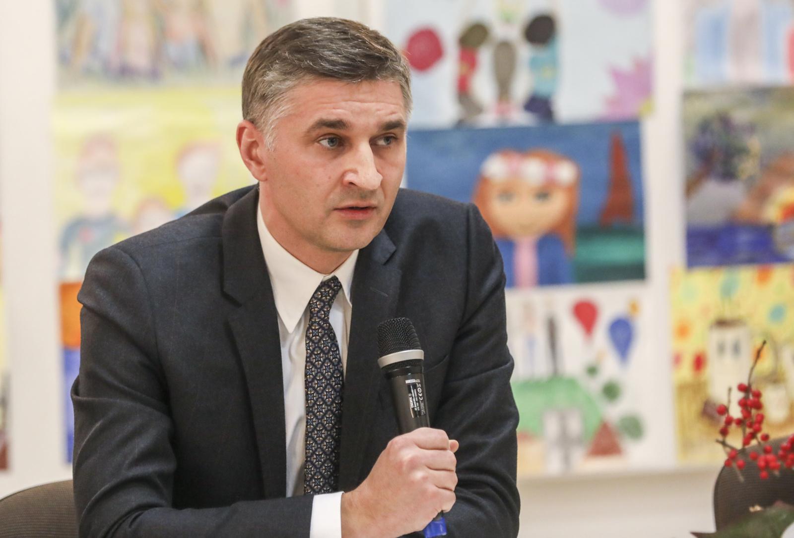 J. Neverovičius apie kelią Vilnius-Utena: jei Vyriausybė teisingai susidėliotų prioritetus, galbūt nebūtų apie ką kalbėti