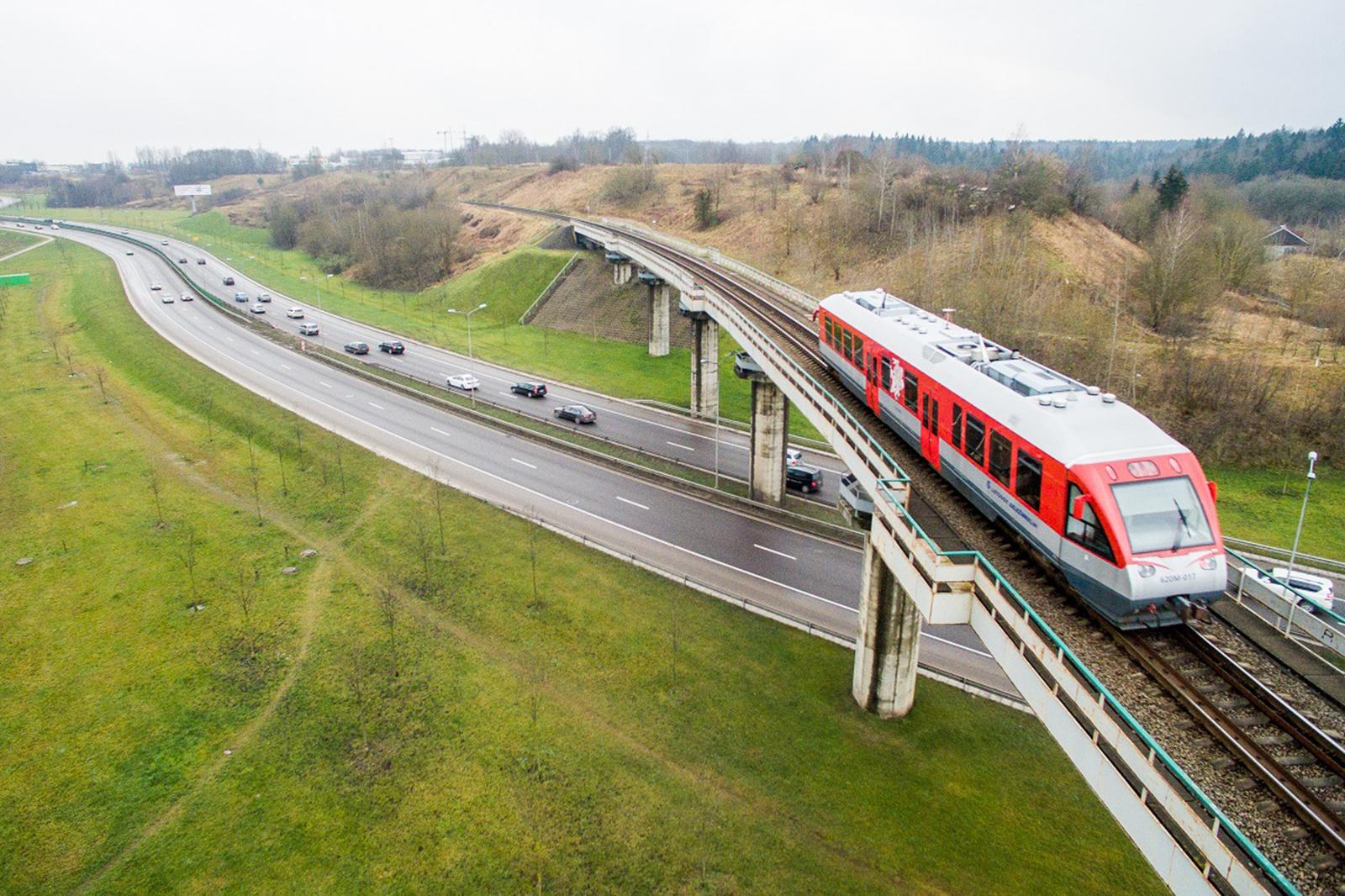 Rusijos geležinkeliai stabdo keleivinius traukinius į Karaliaučių tranzitu per Lietuvą