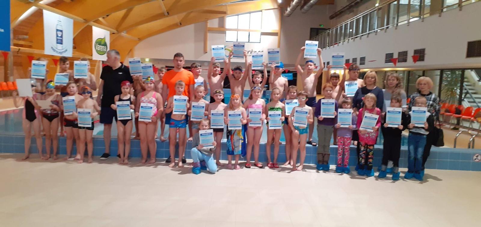 Varėnos baseine sėkmingai įgyvendinami mokymui plaukti skirti projektai