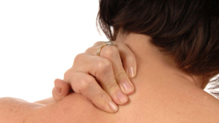 Kineziterapeutas įvardijo pagrindines peties skausmo priežastis ir patarė, kaip išvengti šio negalavimo