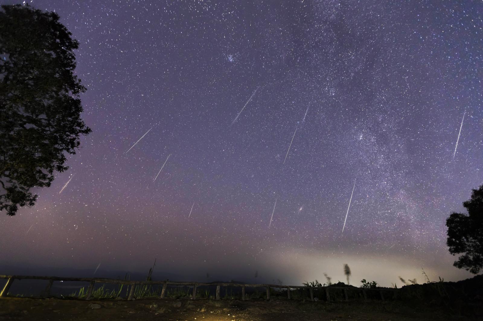 Fejerverkų danguje dar bus: jau rytoj – pirmasis 2020 m. meteorų lietus