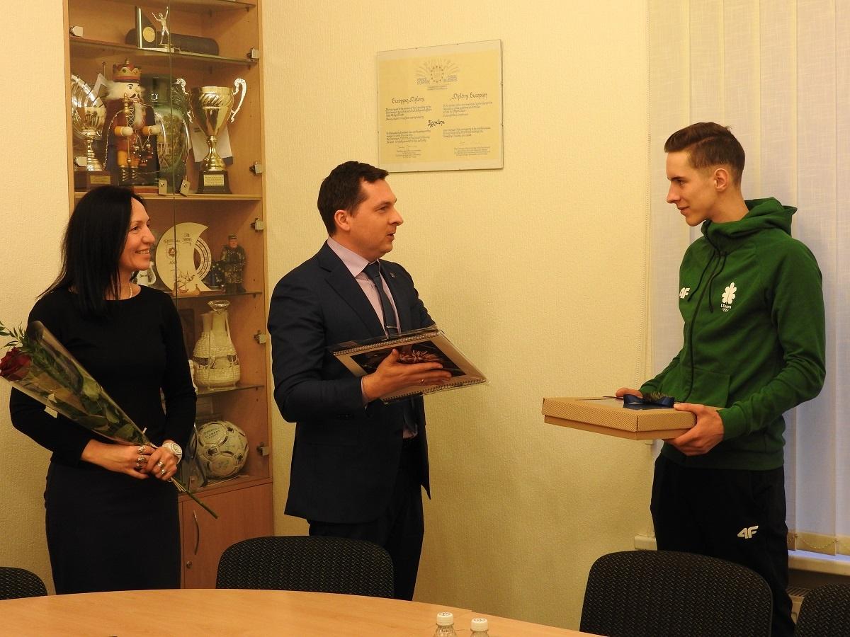 Sėkmės Lozanoje linkėta jaunajam Ignalinos biatlonininkui