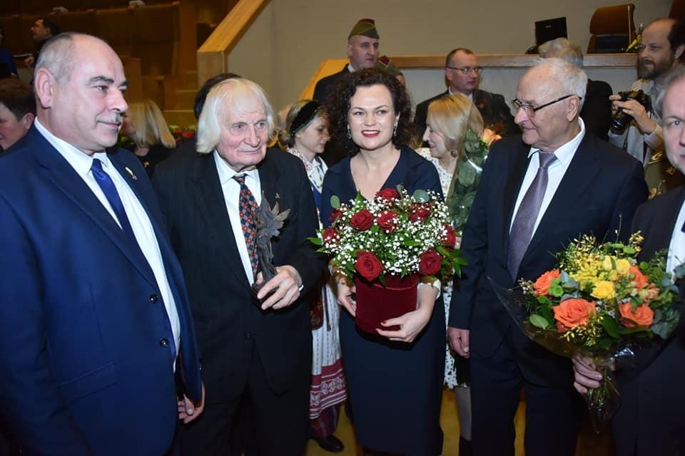 Seime įteikta 2019 m. Laisvės premija Šilalės garbės piliečiui Albinui Kentrai