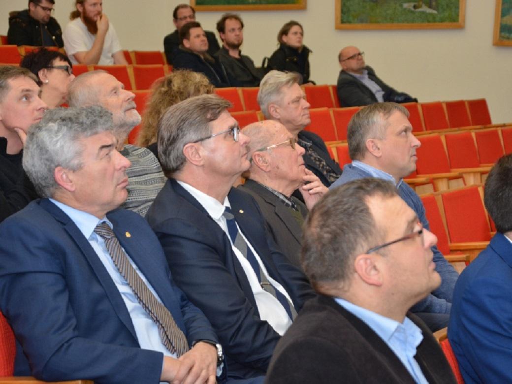 Marijampolės daugiafunkcės sporto arenos konkurso darbų aptarimas