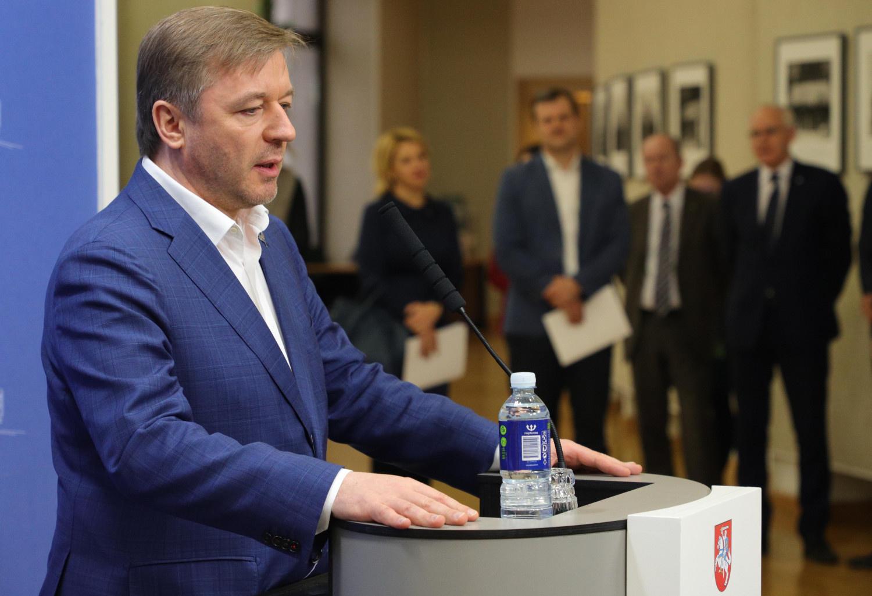 Smuko premjero ir prezidento reitingai, o 2019 m. antirekordai priklauso V. Matijošaičiui ir R. Karbauskiui