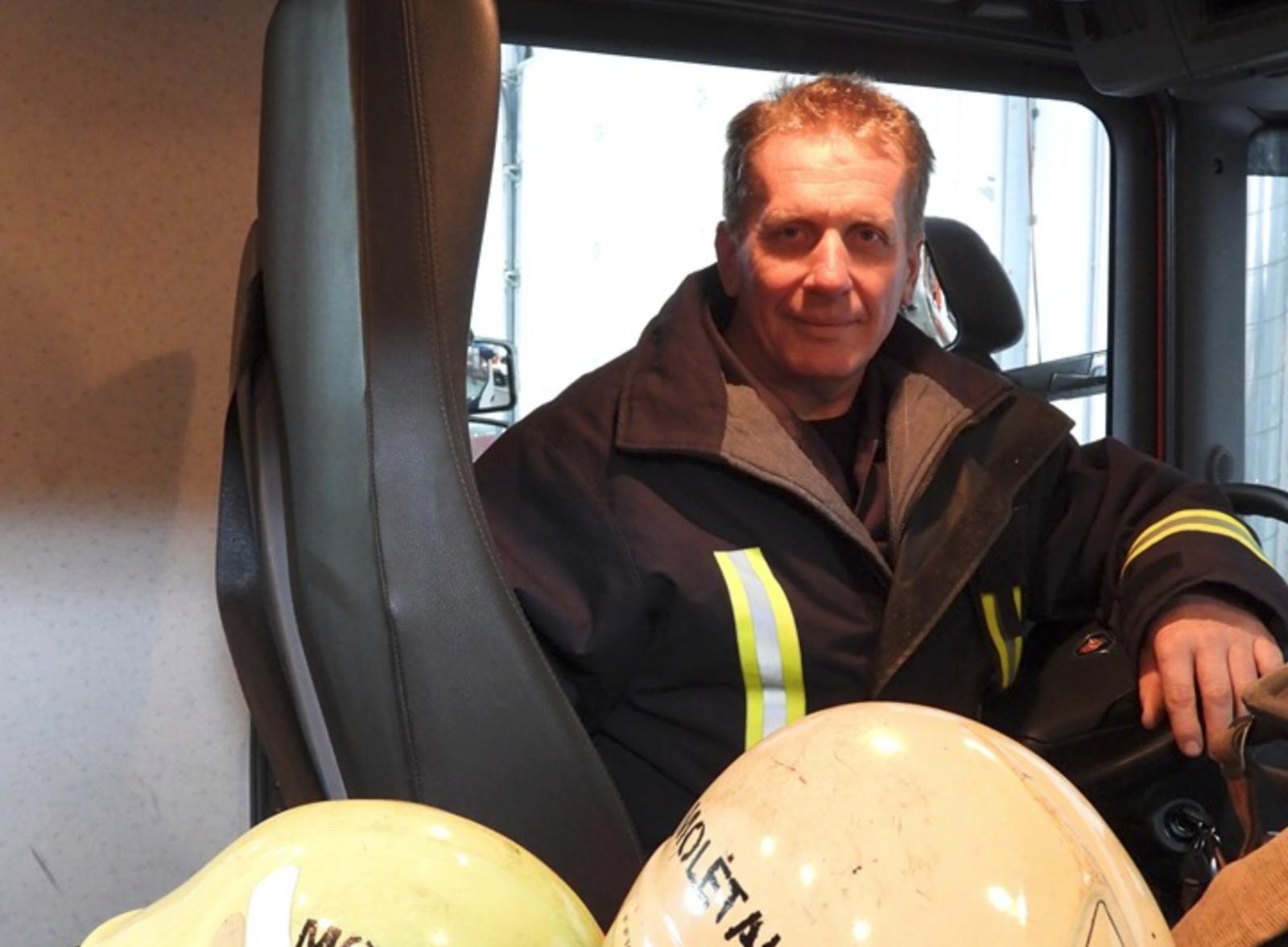 Trisdešimtmetis vidaus tarnyboje vairuojant gaisrinį automobilį