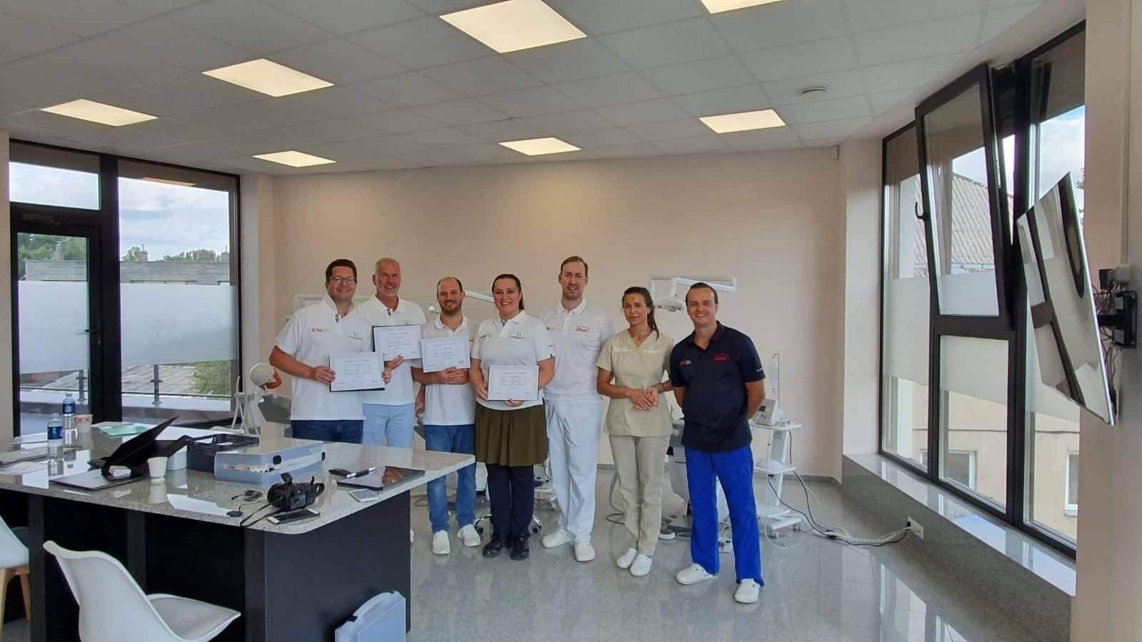 Odontologai iš Austrijos ir Vokietijos patirties semiasi Šiauliuose