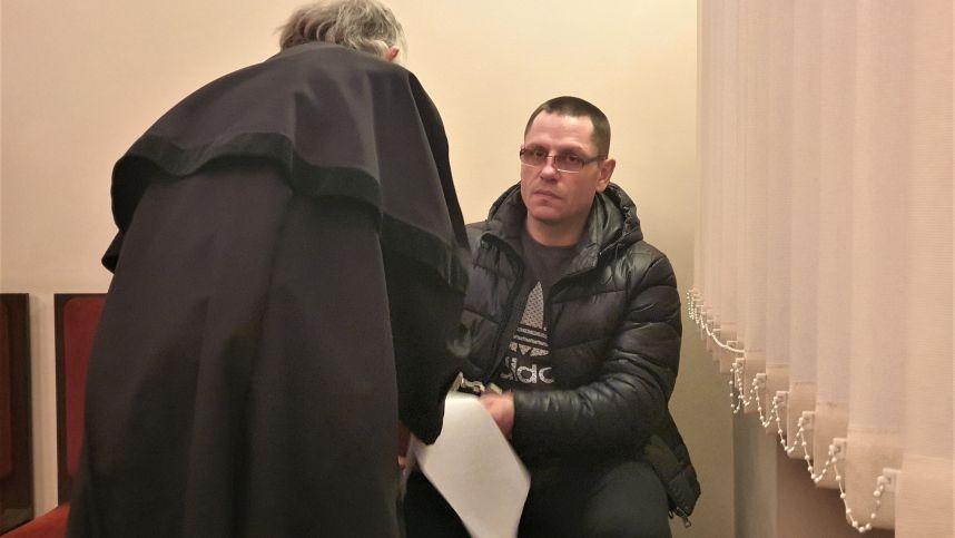 Kraupi žmogžudystė Vilniuje: dvi paras nemiegojęs vyras nužudė svečią, kitai aukai liepė valyti kilimą