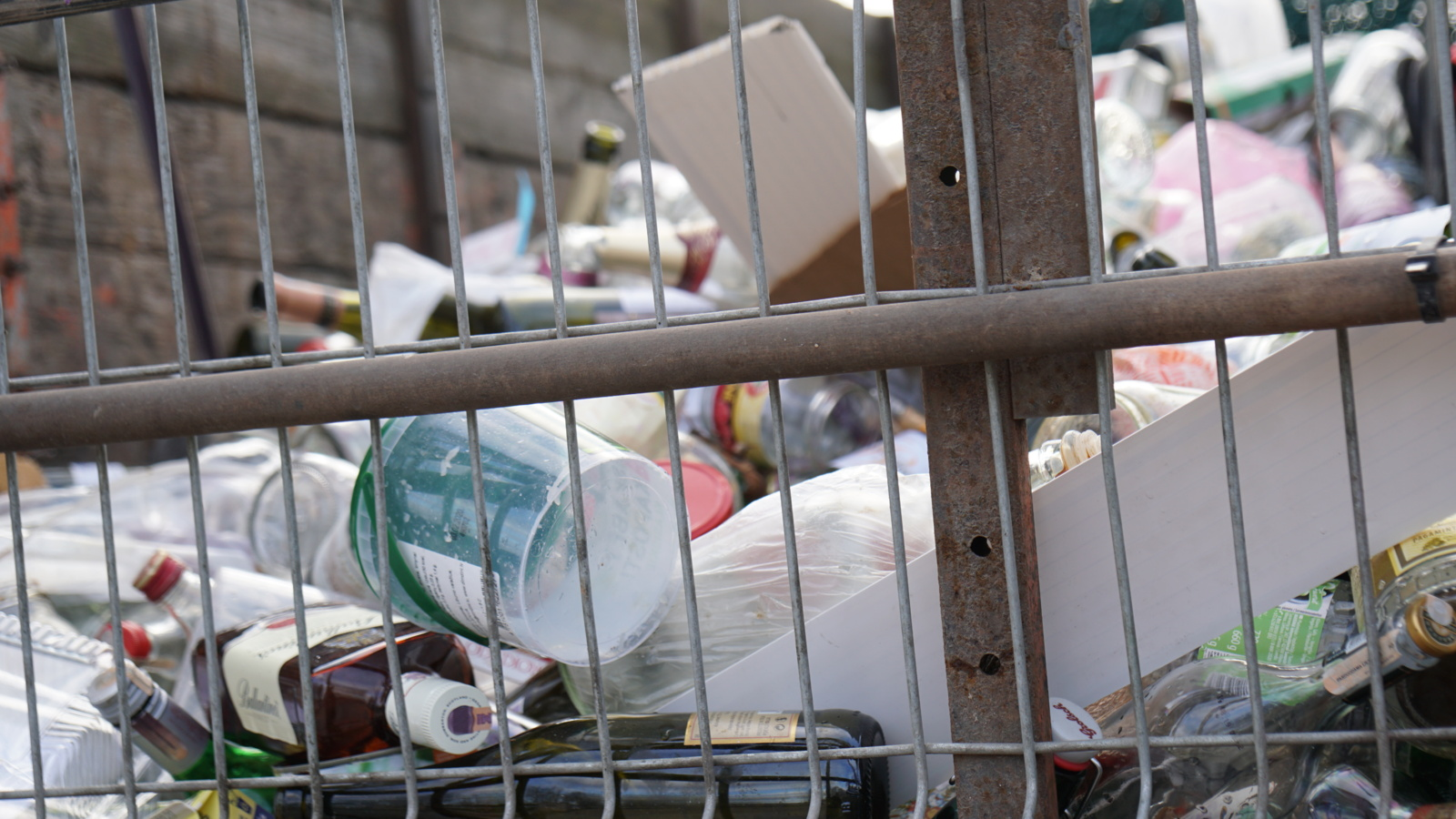 Pakruojo rajone uždarytas atliekų priėmimo punktas