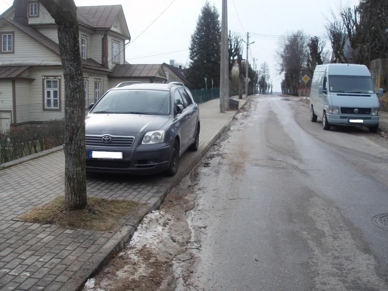 Zarasuose bus vykdoma sustiprinta transporto priemonių stovėjimo kontrolė