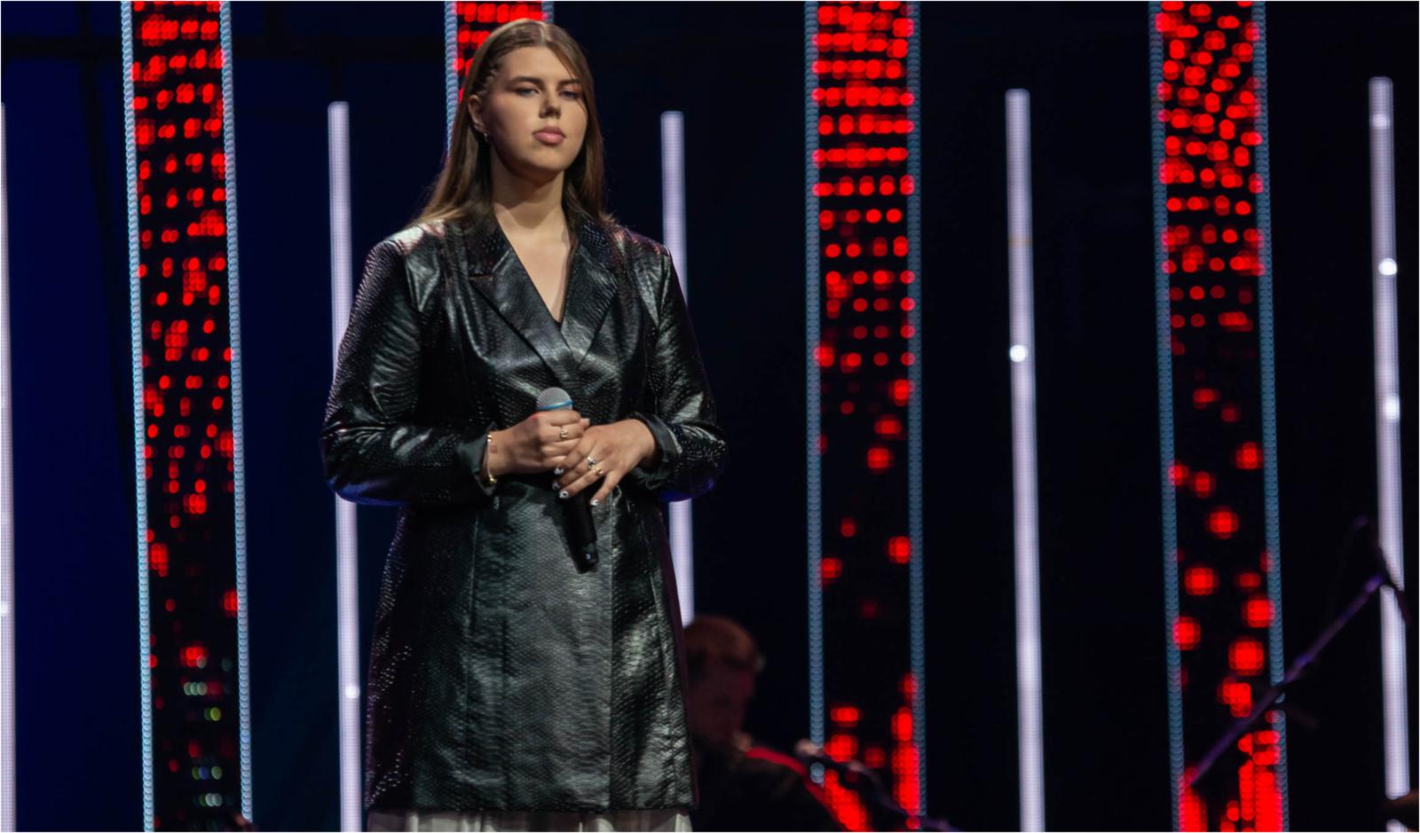 """Visą Lietuvą jautriu pasirodymu sujaudinusi Evita Cololo sieks """"Lietuvos balso"""" titulo"""