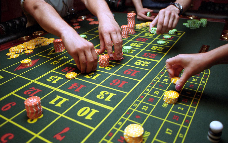 Siūlo azartinių lošimų reklamą papildyti įspėjimu apie galinčią kilti priklausomybę