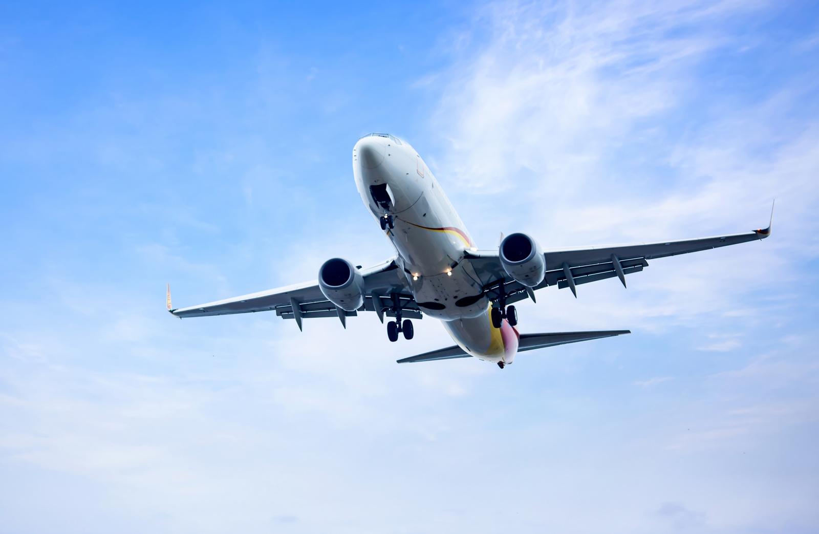 Tragedija Afganistane: nukrito keleivinis lėktuvas