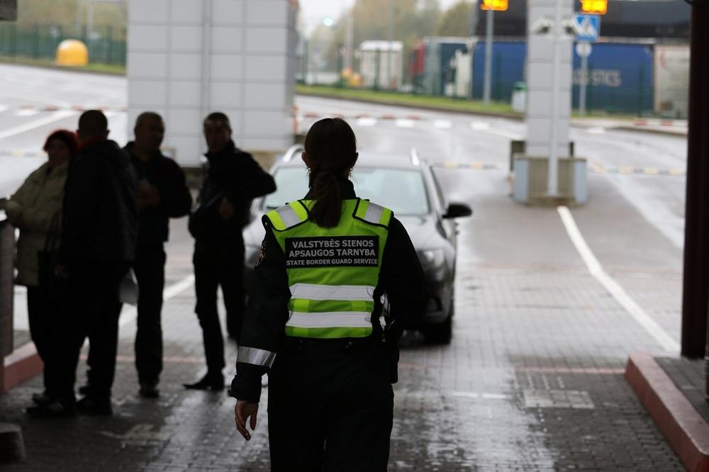 VSAT: vykti per valstybės sieną neleista 786 asmenims, neišleista išvykti 371 asmeniui
