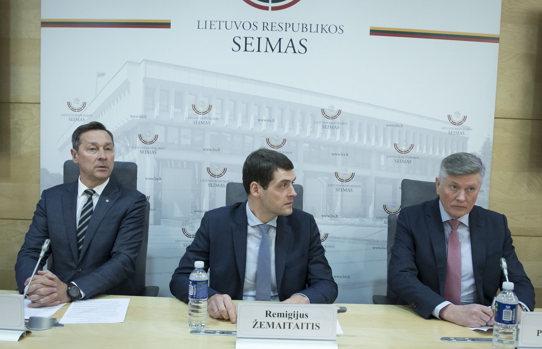 A. Zuokas, A. Paulauskas ir R. Žemaitaitis pristatė politinio darinio pavadinimą: atstovaus konservatoriams-liberalams