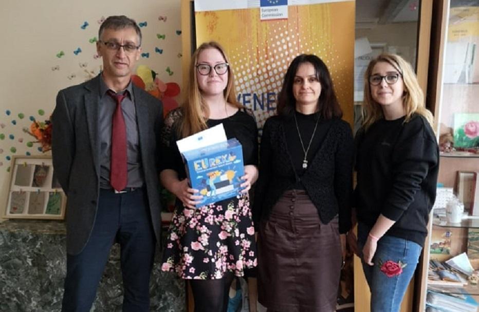 """Deimantė Povilaitytė tapo tarptautinio vertimų konkurso """"Juvenes Translatores"""" nugalėtoja Lietuvoje"""