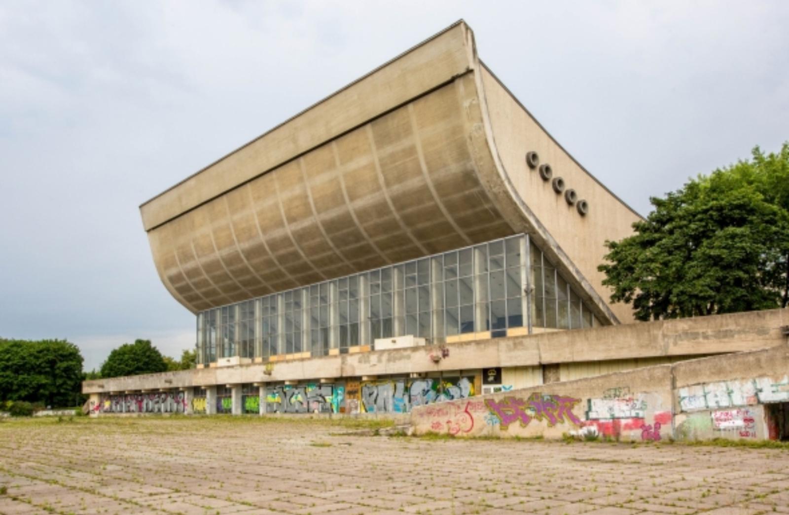 Byloje dėl Sporto rūmų rekonstrukcijos – virš šimto ieškovų ir prašymas išreikalauti įrodymus
