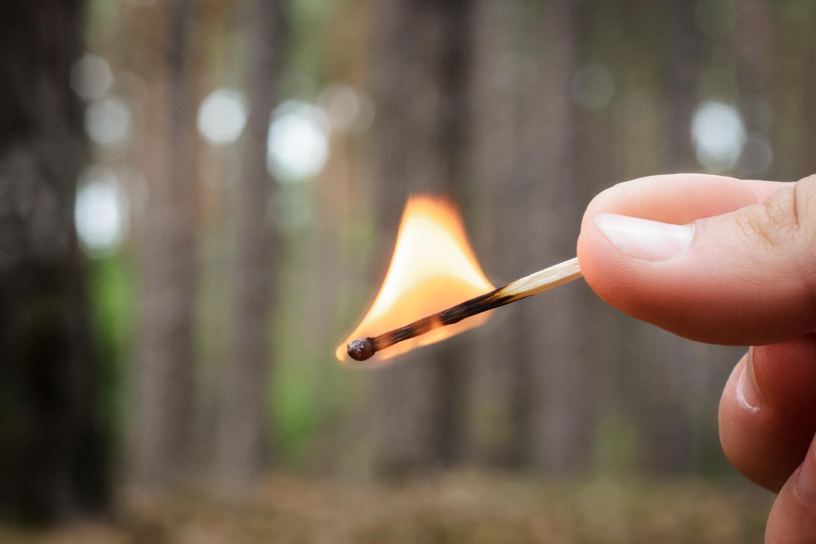 Utenoje įtariamas padegimas