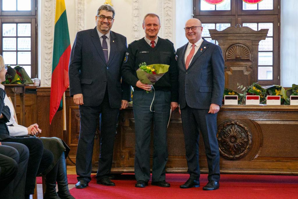 Vasario 16-osios išvakarėse garbiems kauniečiams įteikti miesto savivaldybės apdovanojimai