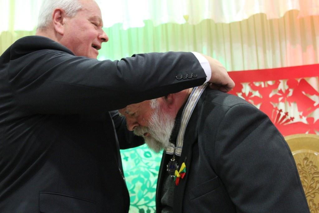 Lietuvos valstybės atkūrimo diena paminėta Vadokliuose: pagerbtas Panevėžio rajono garbės pilietis