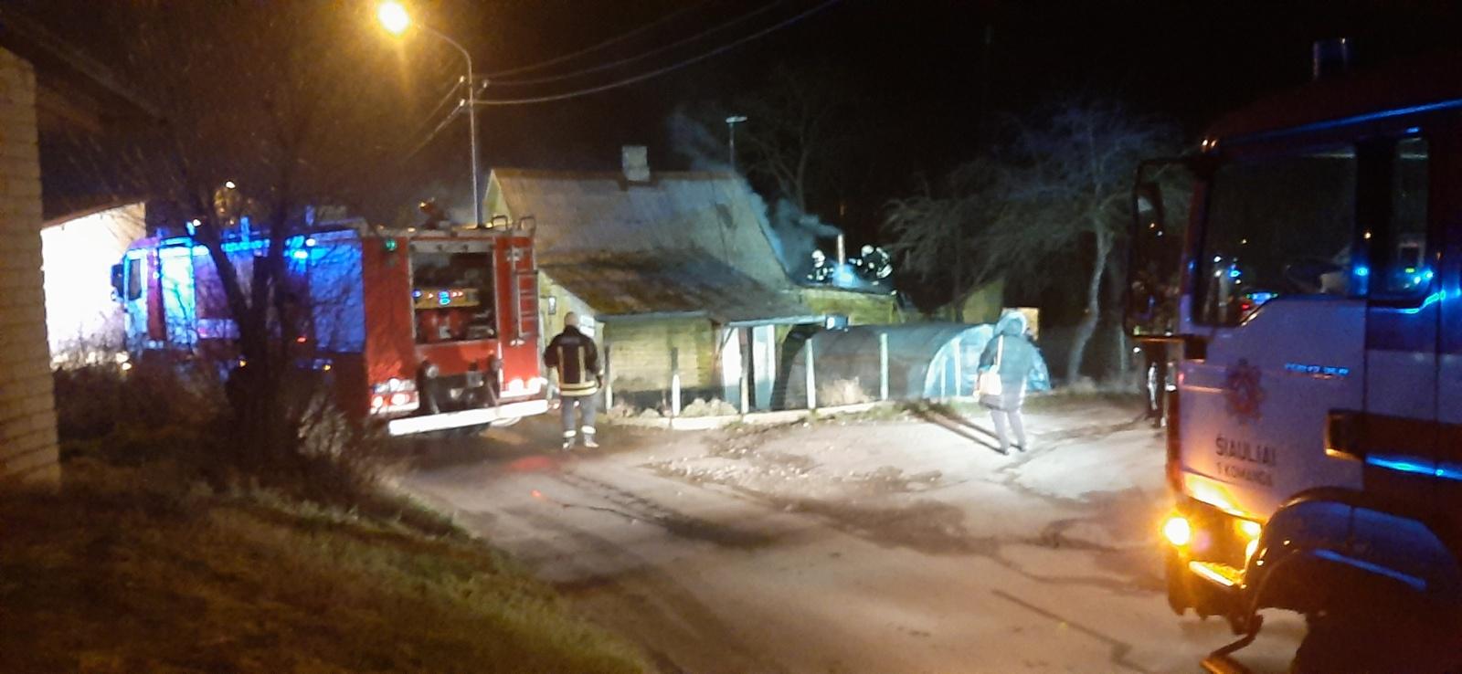 Šiauliuose gaisravietėje rastas sudegęs vyro kūnas