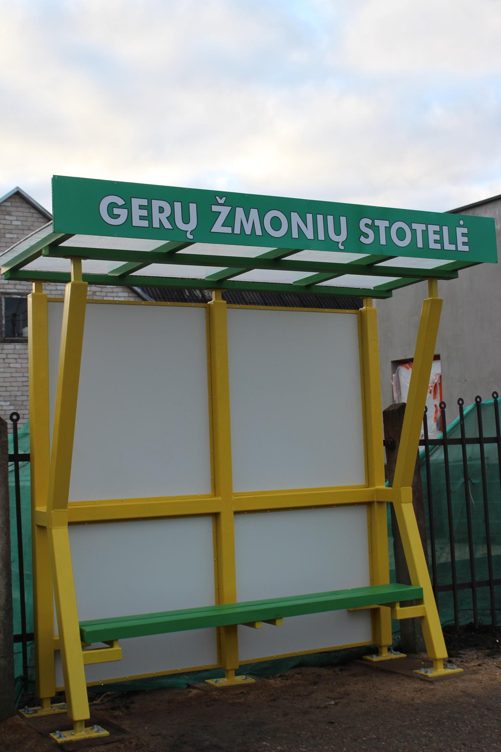 Kuršėnuose atsirado Gerų žmonių stotelė: tik ar ilgam?