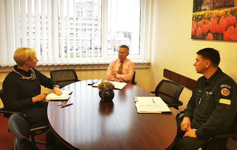 Pokalbis dėl rajono gyventojų saugumo – su Radviliškio rajono policijos komisariato viršininku Linu Valiumi