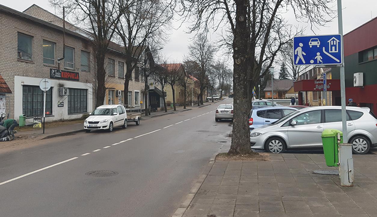 Molėtų miesto Amatų gatvėje pėstiesiems suteikta pirmenybė